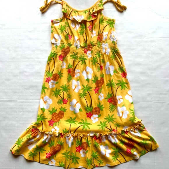 A hawaiian/ tropical dress in perfect condition!